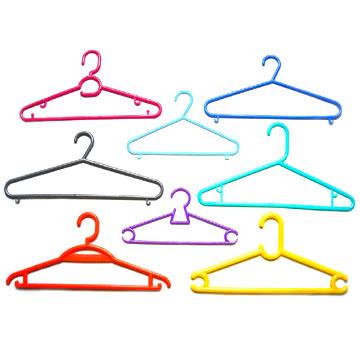 Plastic_Clothes_Hangers