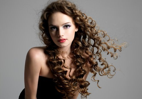 the-one-style-all-curly-haired-girls-should-know-_16000991_800671700_0_0_14044633_500-500x350