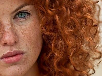 El medio para la defensa de los cabello a la colocación