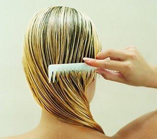 El aceite de las pepitas de uva a los cabellos