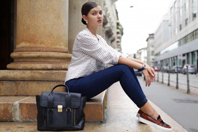 satchel-bag-long-sleeve-blouse-skinny-jeans-watch-slip-on-sneakers-original-3431
