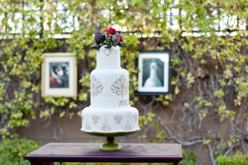 parisian-romance-wedding-inspiration-handmade-weddings-amelie-theme-wedding-cake.original
